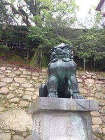 厳島神社の狛さま(うん)
